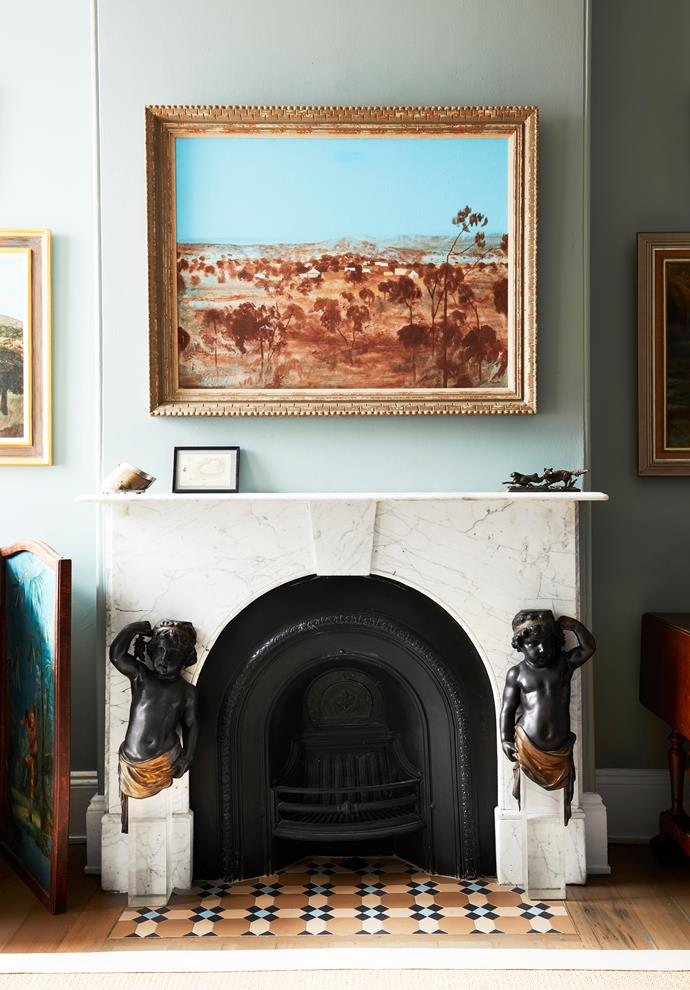 Principal of Boyac, Susanna de Vienne, sought to inject her Sydney terrace with verve and colour without losing its heritage charm. An artwork by Ray Crooke hangs elegantly above the fireplace.