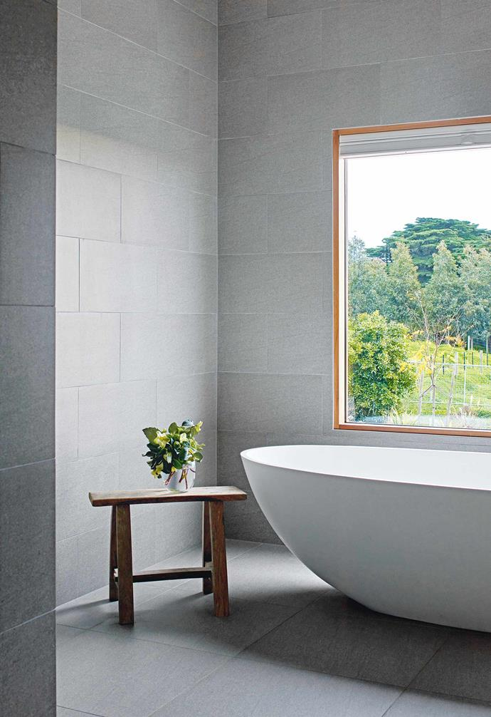 """**Back to nature** A [freestanding bath](https://www.homestolove.com.au/freestanding-baths-4520