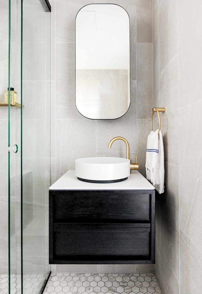 """**Gold medal** Touches of gold shine in this ensuite by designer [Jillian Dinkel](https://jilliandinkel.com/