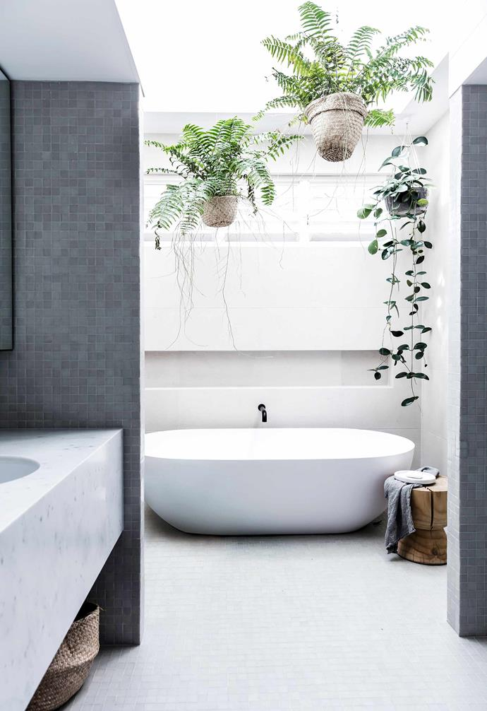"""**Bright idea** The bathroom in this [modern beach house](https://www.homestolove.com.au/modern-beach-house-7133