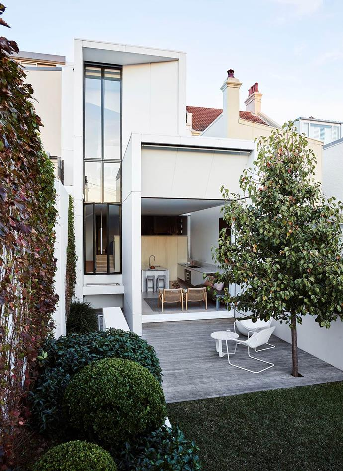 """Old and new came together in a harmonious manner in this [Sydney terrace](https://www.homestolove.com.au/terrace-house-renovation-sydney-19435