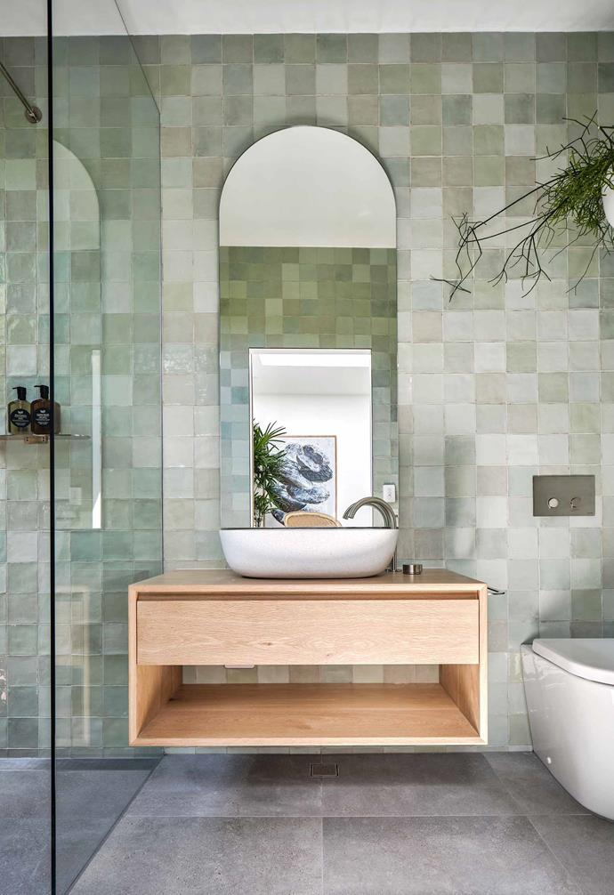 "Walk-in showers were used in all three of the bathrooms at the [Barefoot Bay Villa](https://www.homestolove.com.au/barefoot-bay-villa-byron-bay-21018|target=""_blank""), creating a sleek and sophisticated look."