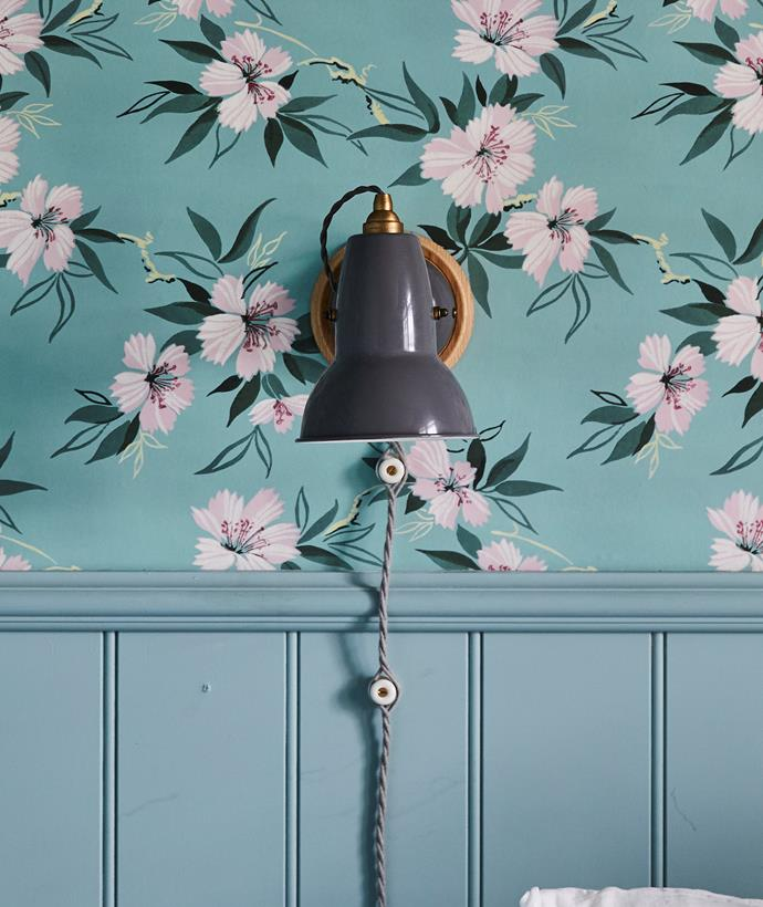 Custom-mounted Anglepoise light, Cult. Sibella Court 'Duane' wallpaper in Grosgrain, Sparkk.
