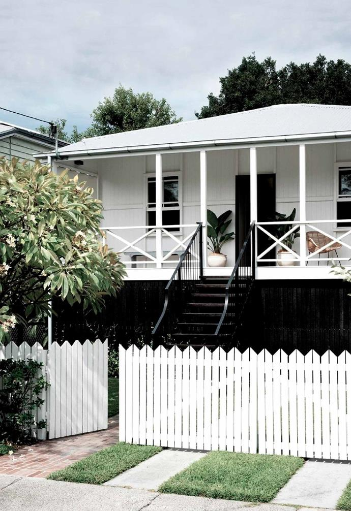 "This [former worker's cottage in Brisbane's West End](https://www.homestolove.com.au/durham-house-17268|target=""_blank"") was given a monochromatic refresh that has transformed it into a dreamy holiday home."