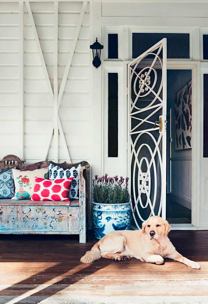 "Interior and textile designer Anna Spiro transformed her own [1880s era open-plan timber Queenslander](https://www.homestolove.com.au/anna-spiro-interior-designers-colourful-brisbane-home-13660|target=""_blank"") with pops of bold colour and pattern."