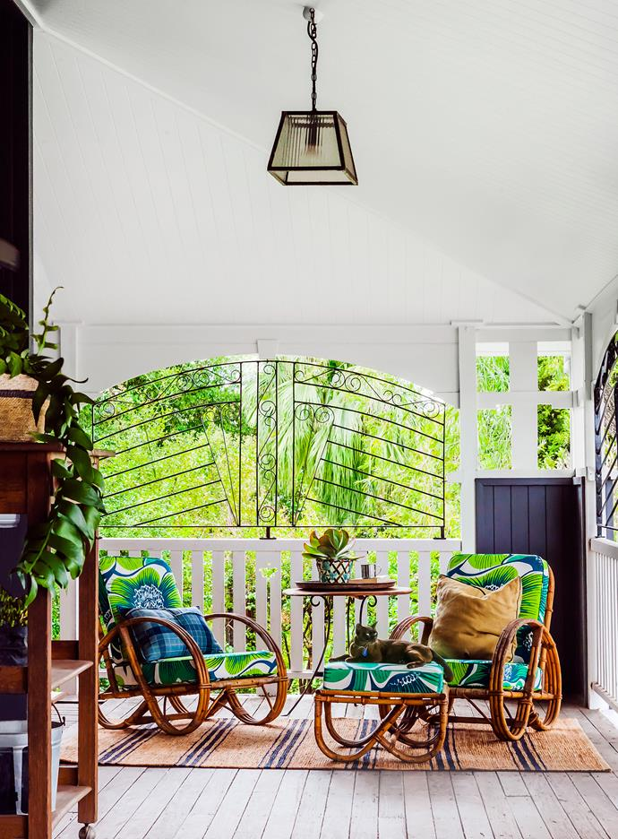 "This [untouched 1917 Queenslander](https://www.homestolove.com.au/gallery-bettina-and-davids-renovated-queenslander-2224|target=""_blank"") provided the perfect canvas for a pair of serial renovators to create a comfortable family home full of personality and charm."