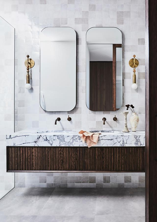 """Interior designer Megan Brown swathed this [master ensuite](https://www.homestolove.com.au/luxurious-bathroom-design-21169