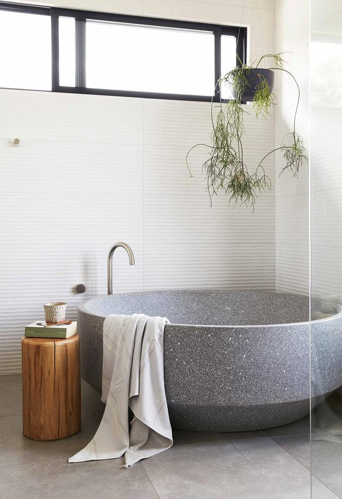 "**Ensuite** Tactile surfaces bring luxe interest to this bathing zone. Zen bath from [Apaiser](https://www.apaiser.com/|target=""_blank""