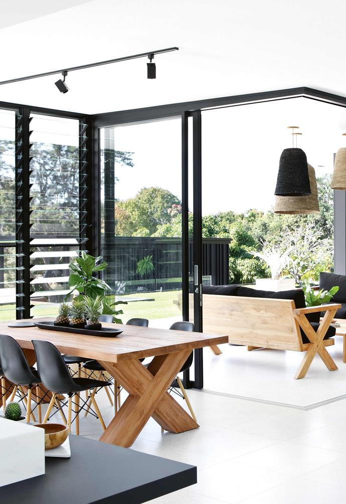 """After putting her research skills to the test, Sarah discovered she could continue with her career and her wish of building her own [modernist-inspired home](https://www.homestolove.com.au/mid-century-modernist-homes-australia-6800