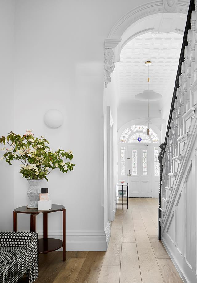 "Playing for keeps, the owners of this [Victorian manor](https://www.homestolove.com.au/classic-victorian-terrace-receives-a-sophisticated-makeover-21084|target=""_blank"") called on Robson Rak to lavish all the love and attention it needed to stay theirs forever. The house's classic beauty appealed to the homeowners who bought with the intention of reinstating its features – albeit with alterations conducive to contemporary family living."