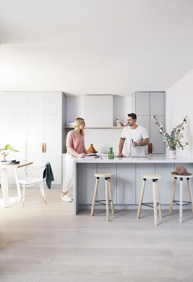 """A calming palette and clever fit-out deliver a relaxed coastal [holiday home](https://www.homestolove.com.au/coastal-holiday-home-19311