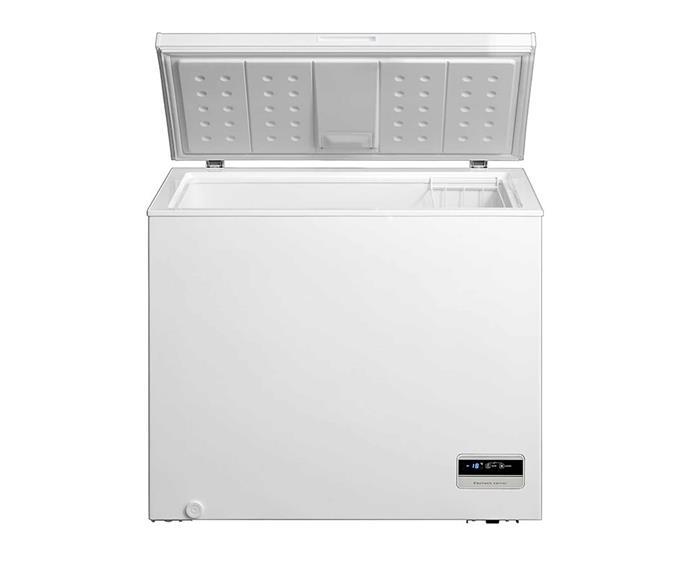 "Kogan 198L Interchangeable Chest Fridge and Freezer - White, $1499.99, [Kogan](https://www.kogan.com/au/buy/kogan-198l-interchangeable-chest-fridge-and-freezer-white/|target=""_blank""|rel=""nofollow"")."