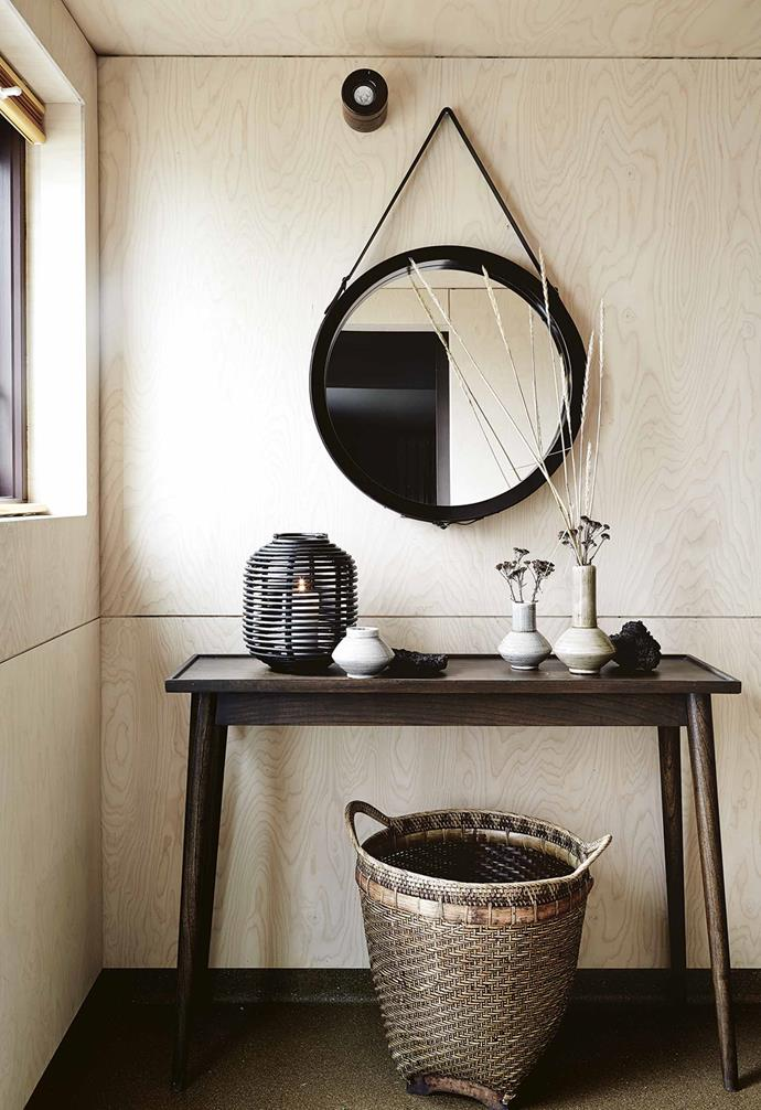 "They immediately arranged a viewing and, two days later, despite her budget concerns, were the owners of their getaway by the sea. ""There was a lot of interest in the property but the owners were incredibly taken by our enthusiasm,"" says Rut.<br><br>**Entry** A [circular mirror](https://www.homestolove.com.au/15-decorative-wall-mirrors-6031