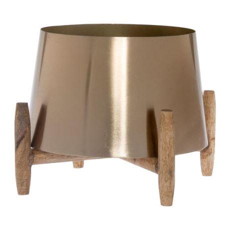 "PELION 18cm Planter, Gold Colour, $69, [Freedom](https://www.freedom.com.au/outdoor/outdoor-decorator/all-outdoor-decorator-items/24237802/pelion-18cm-planter-gold-colour?reflist=outdoor|target=""_blank""