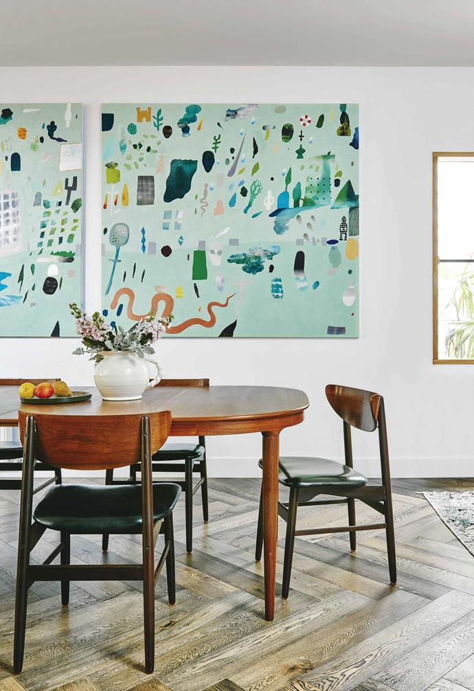 """Alex pulled together fixtures and finishes, led by the heart. It was a very """"piecemeal"""" approach, with some paint colours chosen before the house was designed. """"I think that if you love it, it will all go together because they are pieces that speak to you, so there's connectivity between everything,"""" she says. """"You as the common element is enough.""""<br><br>**Dining area** The vintage theme continues with a 1960s table from Angelucci 20th Century and chairs from eBay."""