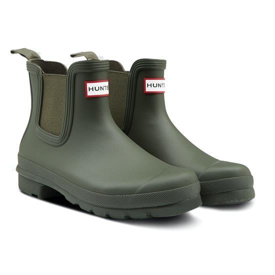 "Hunter Original Chelsea boots in matt black, $163.07, from [Surfdome](https://www.surfdome.com.au/Hunter-Original-Chelsea-Womens-Wellies/sd50181476.htm?colour=Dark+Olive&sku=1053748&productid=276732&gclid=CjwKCAjw4pT1BRBUEiwAm5QuR9Yq4RBlUYf4Kn9gcaHQECrAJY_6qeEUs9420vadzR4jgK7R6qQp3xoC-PAQAvD_BwE|target=""_blank""|rel=""nofollow"")."