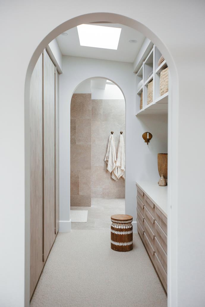 Archways are a continuing theme throughout the home so Kyal and Kara decide to incorporate them into their walk-in wardrobe design.