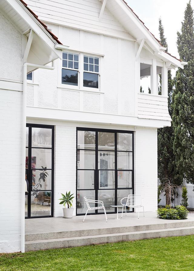 """Putting a contemporary spin on this grand [Edwardian home](https://www.homestolove.com.au/a-restored-edwardian-home-by-mardi-doherty-design-5932
