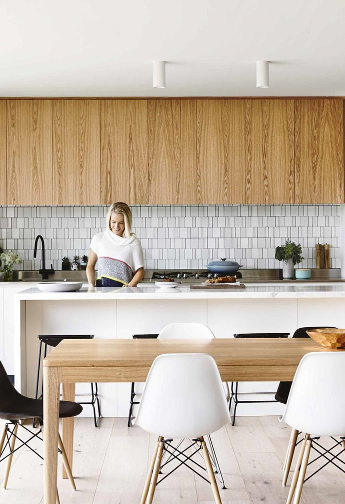 """Sitting on just over 3000 square metres, the land is generous and private. It's sand-dune terrain, so Simon Perkins of [Pleysier Perkins](https://www.pleysierperkins.com.au/