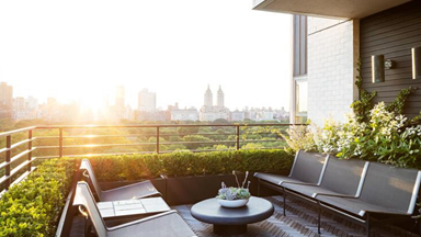 How to decorate a balcony or deck in full sun