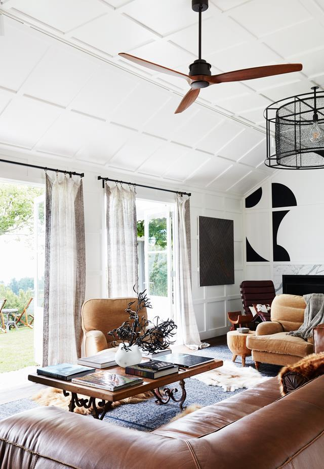 """This elegant [country retreat](https://www.homestolove.com.au/two-rural-buildings-become-a-beautiful-country-retreat-5553