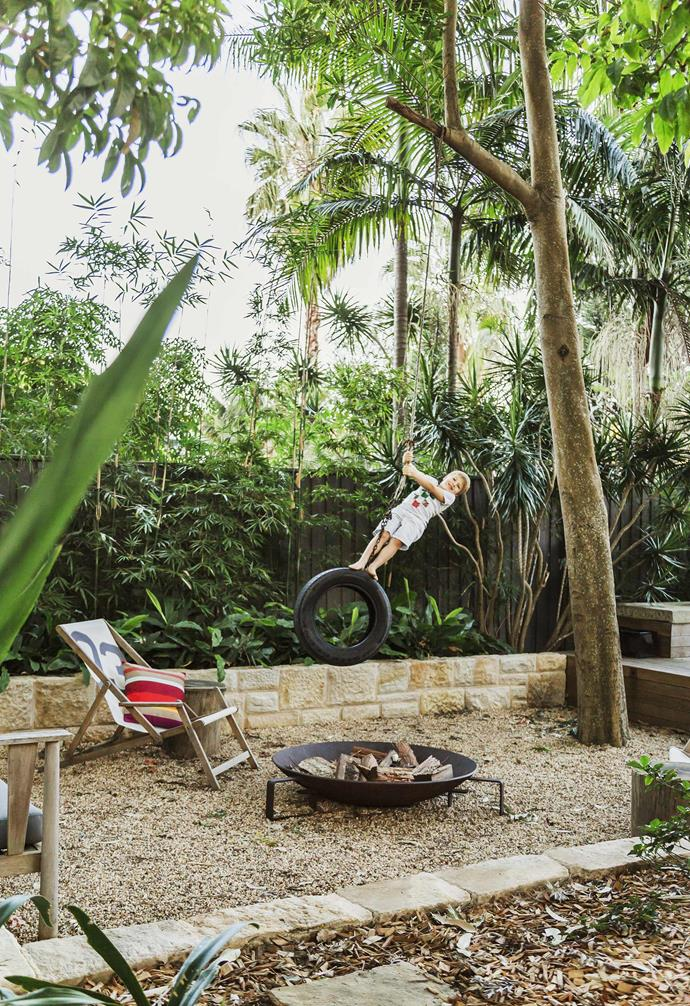 "A Robert Plumb fire pit makes a bold statement in the backyard of this [family-friendly beachside home](https://www.homestolove.com.au/gallery-a-family-friendly-beachside-home-2479|target=""_blank"") that allows the residents to entertain all year round."