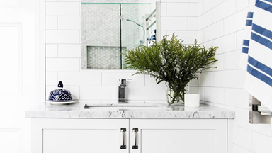 10 Hamptons-style bathroom design ideas