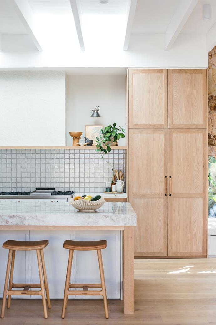 "Custom-made oak cabinetry and shelving by [Loughlin Furniture](http://www.loughlinfurniture.com.au/|target=""_blank""