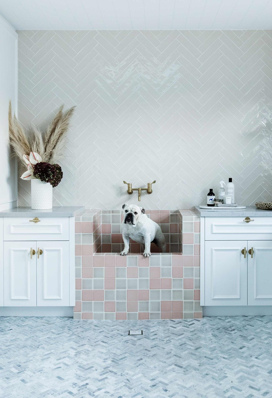 """When [Bonnie Hindmarsh of Three Birds Renovations](https://www.homestolove.com.au/three-birds-bonnie-hindmarshs-modern-coastal-home-6802