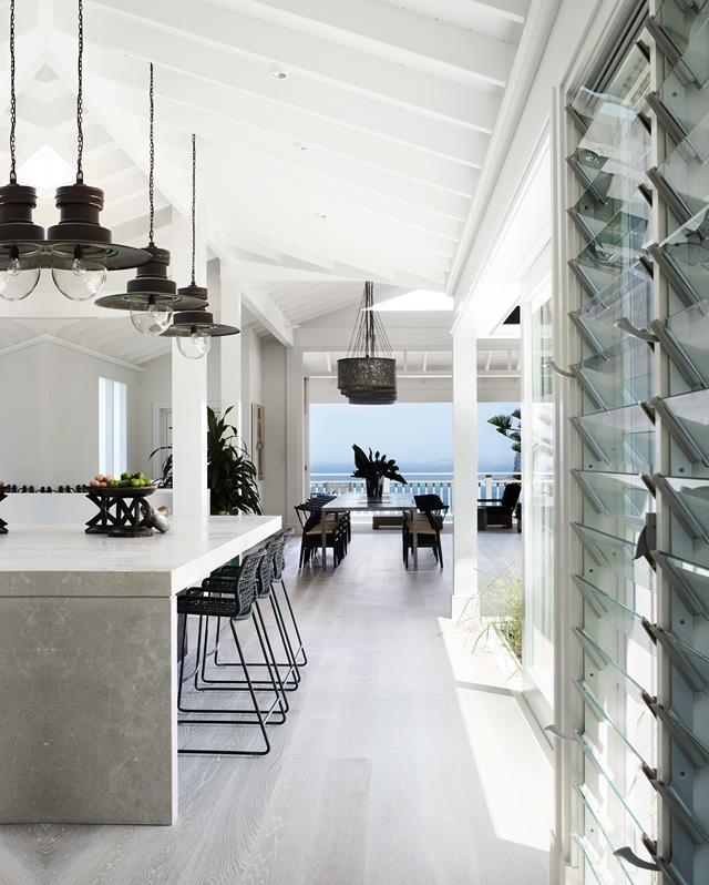 "Created by architect Walter Barda and interior designer Justine Hugh-Jones, this newly built [ultra-luxe beach house](https://www.homestolove.com.au/an-ultra-luxe-coastal-home-on-sydneys-northern-beaches-5955|target=""_blank"") in Sydney's Bilgola celebrates coastal living. The design and palette of finishes, colours and furniture respond to the natural environment."