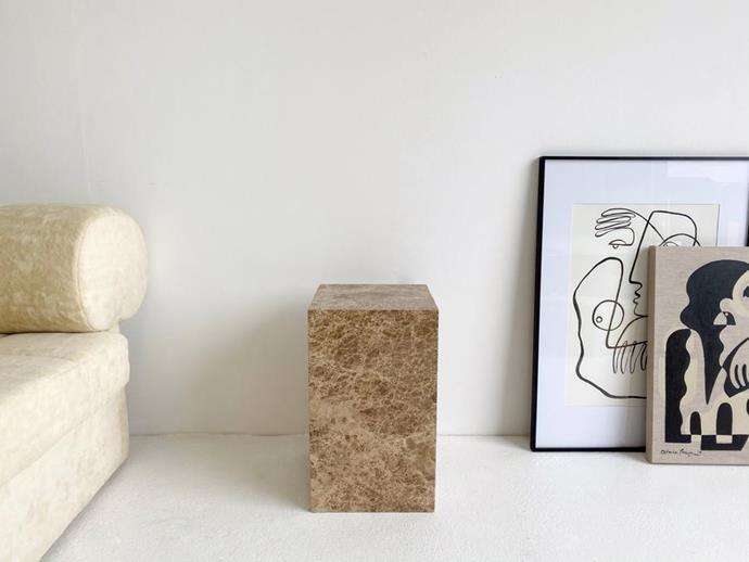 "Light Emperador Marble Plinth, $500, [en gold](https://engold.com.au/products/light-emperador-marble-plinth?_pos=1&_sid=b68325e01&_ss=r|target=""_blank""|rel=""nofollow"")"