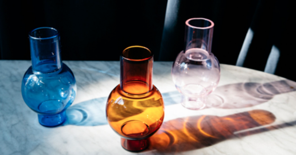 Coloured glass: 20 vivid vases and glasses