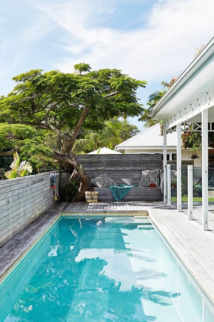 "A built-in bench amongst the decking around the pool in this [Byron Bay beach house](https://www.homestolove.com.au/gallery-kimberly-and-stephens-byron-bay-beach-house-1660|target=""_blank"") contains clever storage for flippers, masks and pool equipment."