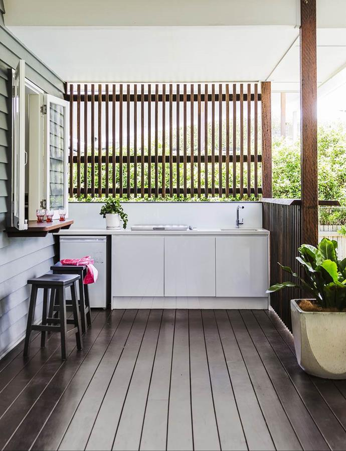 "A servery window was crucial in this [relaxed Brisbane Queenslander](https://www.homestolove.com.au/gallery-lori-and-sanjays-relaxed-brisbane-queenslander-1679|target=""_blank"") that needed to be ""highly functional home for the whole family."""