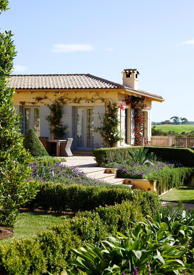 """A judicious trim and sensitive restyling by Georgina Martyn has brought this [Mornington Peninsula property](https://www.homestolove.com.au/mediterranean-style-garden-in-the-mornington-peninsula-20372