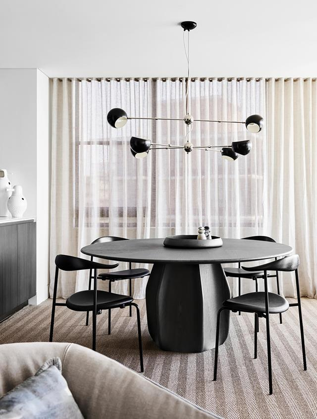 """This [luxe Sydney apartment](https://www.homestolove.com.au/sophisticated-monochrome-apartment-with-sydney-harbour-views-21052