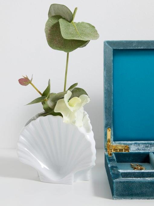 "RICHARD GINORI X Luke Edward Hall shell porcelain candleholder, $283, [MatchesFashion](https://www.matchesfashion.com/au/products/Richard-Ginori-X-Luke-Edward-Hall-shell-porcelain-candleholder-1310862|target=""_blank"")"