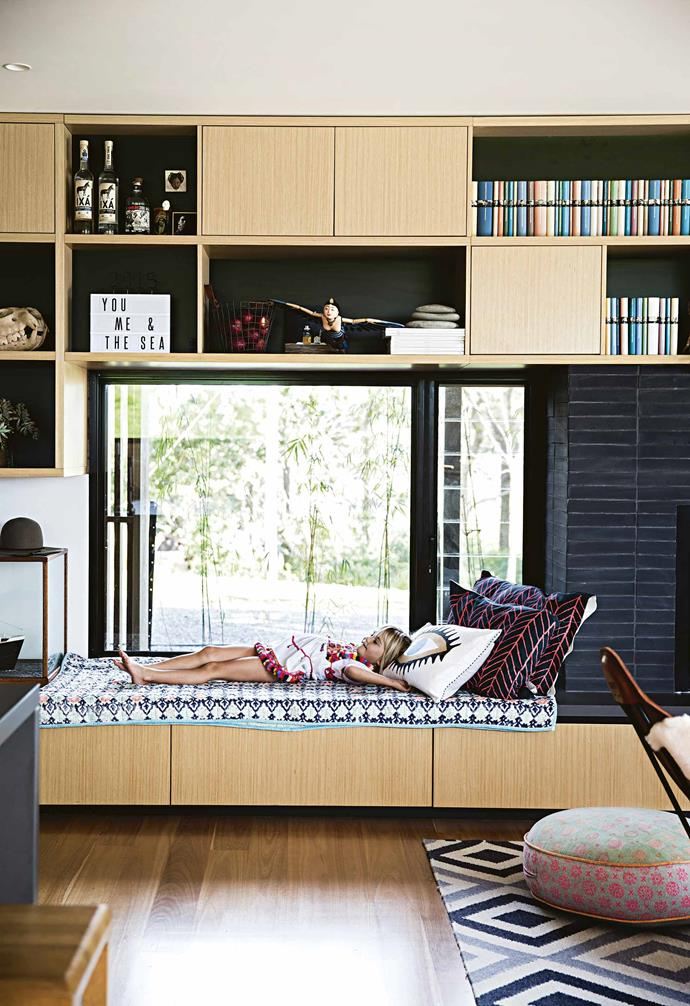"""He was familiar with the work of Melbourne architecture firm [Jackson Clements Burrows](http://jcba.com.au/ target=""""_blank"""" rel=""""nofollow""""), which often uses this treatment, and employed the team to take on his brief as he oversaw the project as owner-builder.<br><br>**Star performer** The kitchen and living area are the heart of this home, and the Eveneer timber veneer joinery in Essential Oak connects the zones visually and offers spots for mementos to sit on display."""