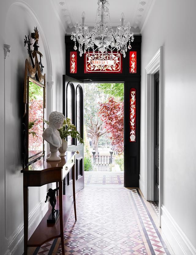 "Splendid vision by architect Daniel Boddam and interior designer Stacey Kouros transformed a tired [1880s terrace](https://www.homestolove.com.au/glamorous-makeover-of1880s-terrace-21031|target=""_blank"") in Sydney into a glorious, glamorous and comfortable home. The home's original stained glass and floor tiles were kept intact during the renovation."