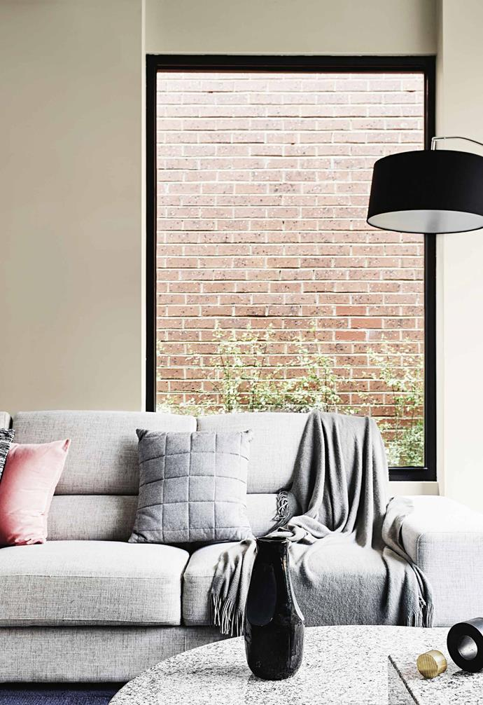 "This was a first-time project for the duo but Georgie and Lu were confident that their shared aesthetic vision would be the guiding light. ""Surprisingly, Mum and I agreed on all design elements: the relationship of scale, finish and, most importantly, a layered and highly textured finished product,"" says Georgie.<br><br>**Living area** [Dulux](https://www.dulux.com.au/