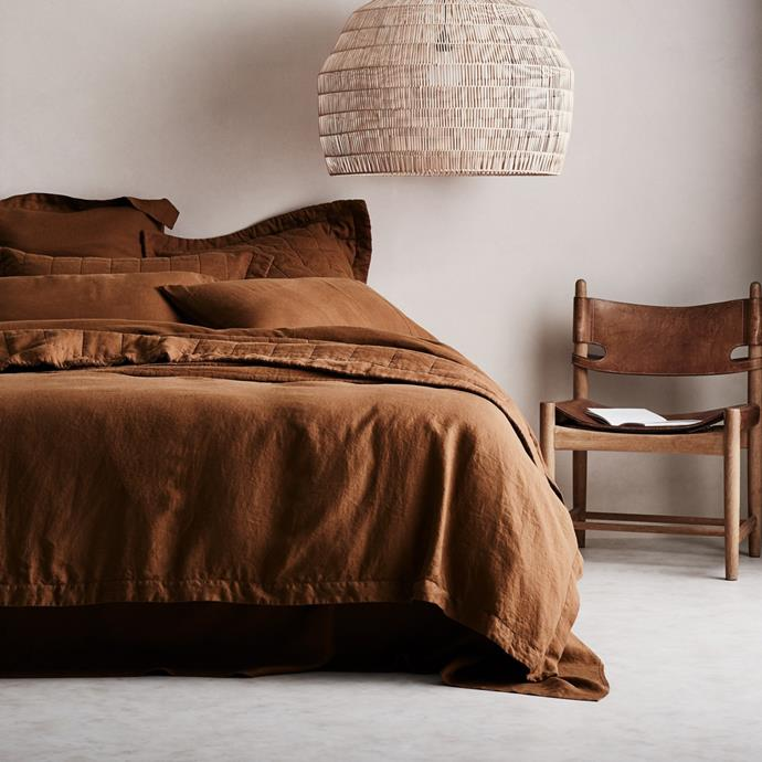"""Abbotson Linen Quilt Cover in Tabac, $529.99 (Queen), [Sheridan](https://www.sheridan.com.au/abbotson-linen-quilt-cover-s28p-b110-c195-431-tabac.html