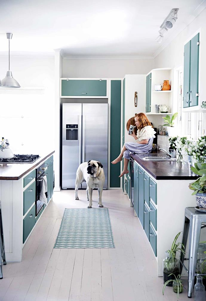 """**Give your cooking zone a distinctive look**<br><br>Adrian built [the kitchen](https://www.homestolove.com.au/modern-kitchen-ideas-18756