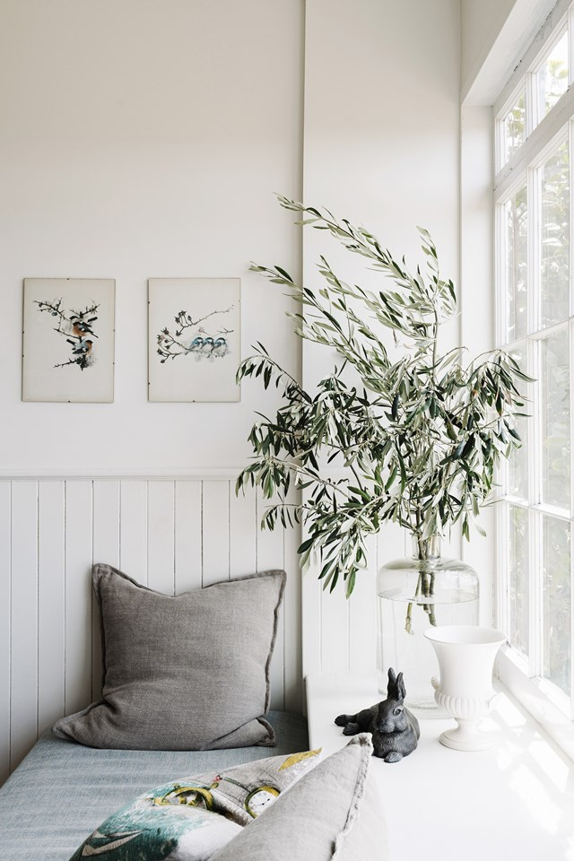 """A quick and affordable way to modernise the look of a farmhouse interior is to switch up the decor. Swap a vase of classic roses for a cluster of sculptural branches - as seen here at [The Burrows in Swansea](https://www.homestolove.com.au/the-burrows-swansea-tasmania-21597