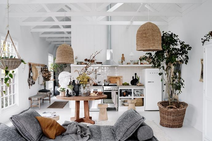 """**[Contemporary Barn, Daylesford, Victoria](https://www.airbnb.com.au/rooms/39155962?source_impression_id=p3_1593733245_Syt9%2FWlr2%2F6sIS1C&guests=1&adults=1 target=""""_blank"""" rel=""""nofollow"""")** <br><br> In the heart of Daylesford, this charming barn has been transformed by interior visionary Lynda Gardener. It's the perfect couples retreat with just one bedroom, opening living space and kitchenette and walking distance to cafes and stores galore.  <br><br> Price: from $345 per night."""