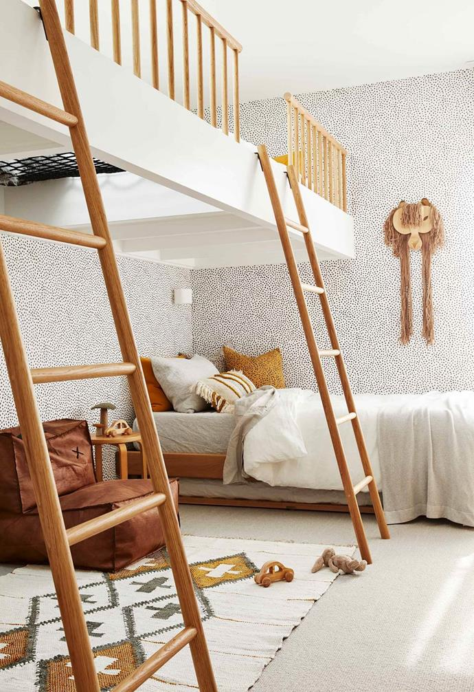 """In this luxurious [holiday home](https://www.homestolove.com.au/barefoot-bay-villa-byron-bay-21018