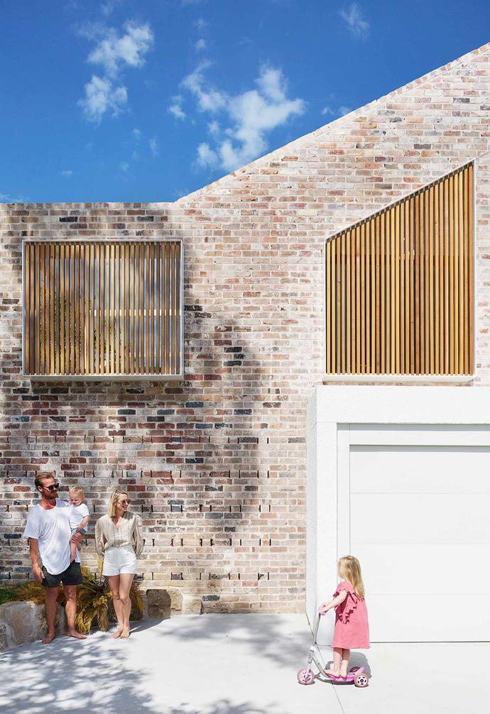 **Exterior** All the new external walls are a combination of recycled brick and white gloss-painted stucco render panels. The screening is cedar.