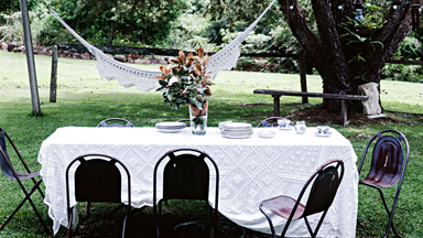 14 glorious outdoor table settings