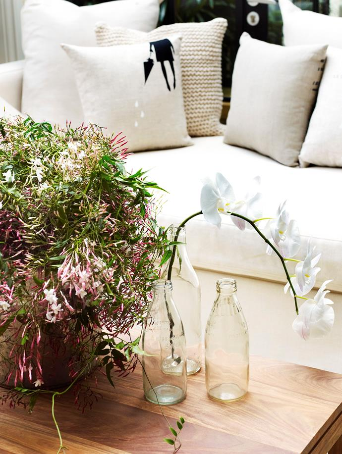 Bring the beautiful scent of jasmine indoors with a free-flowing arrangement.