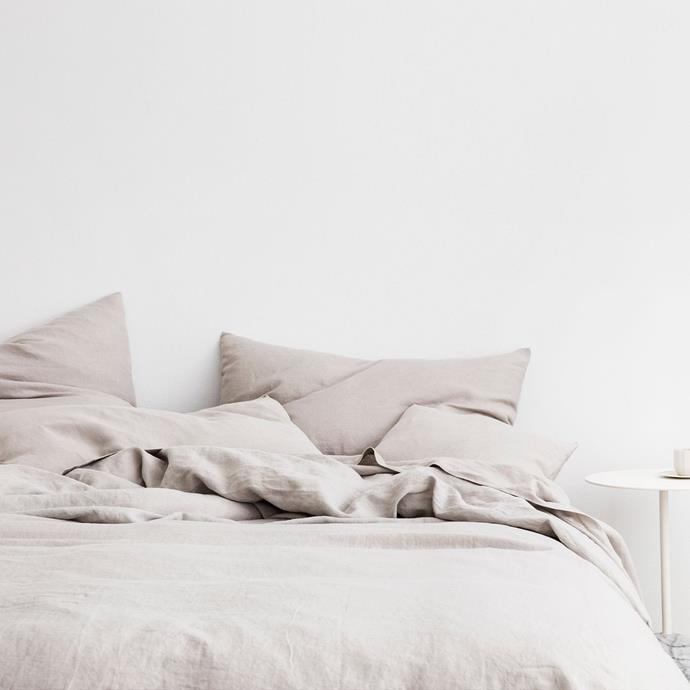 "Linen Duvet Cover Set - Smoke Grey, Queen, $365, [Cultiver](https://cultiver.com.au/products/linen-duvet-cover-set-smoke-grey?variant=29382502285335|target=""_blank""|rel=""nofollow"")"
