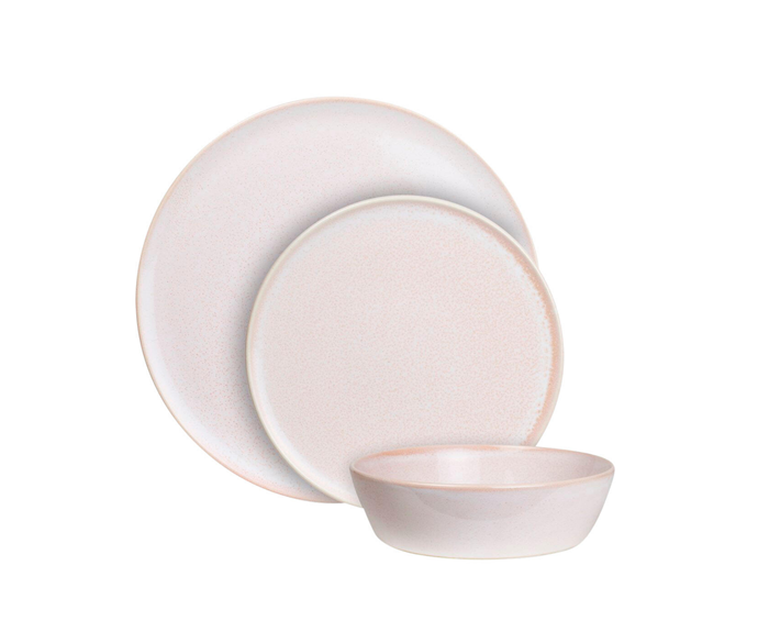 "Canvas place setting, $86, [Robert Gordon](https://www.robertgordonaustralia.com/products/canvas-place-setting?variant=20143518056566|target=""_blank""